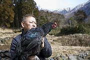 駿河シャモの産地を訪ねて 健やかに育てる。 この原則がおいしさの土台