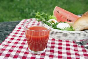 健菜トマトジュース