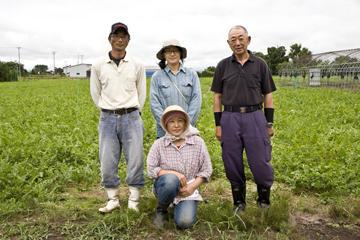 北国の名人一家がこだわり栽培。 大玉すいかで、盛夏を味わう
