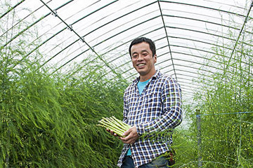 目指すのは、日本一のアスパラ農家