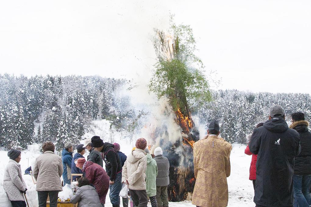 雪原で祝う小正月